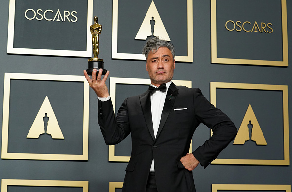 Award「92nd Annual Academy Awards - Press Room」:写真・画像(5)[壁紙.com]