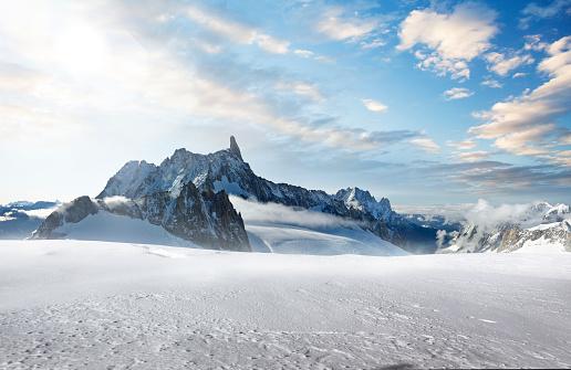 Mountain Peak「Snow Mountains of Mont Blanc」:スマホ壁紙(1)