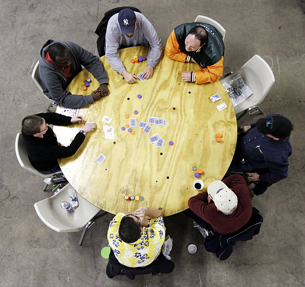 Thousands Gather For Mass Poker Tournament:ニュース(壁紙.com)