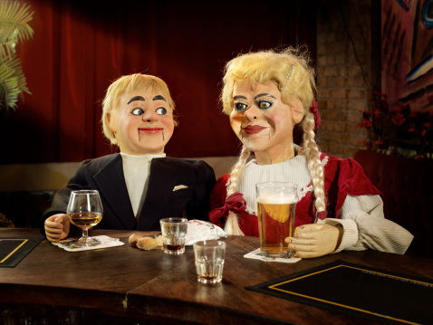 Drinking「2 Ventriloquist dolls drinking at a bar」:スマホ壁紙(15)