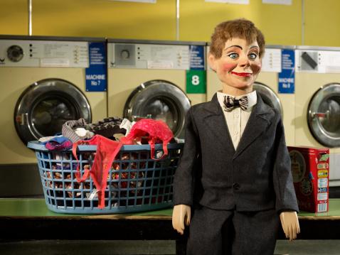 Ventriloquist's Dummy「Ventriloquist doll inside a laudrette」:スマホ壁紙(5)