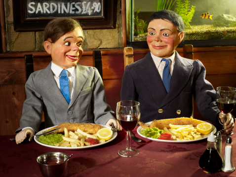 Ventriloquist's Dummy「2 Ventriloquist dolls in a restaurant」:スマホ壁紙(1)