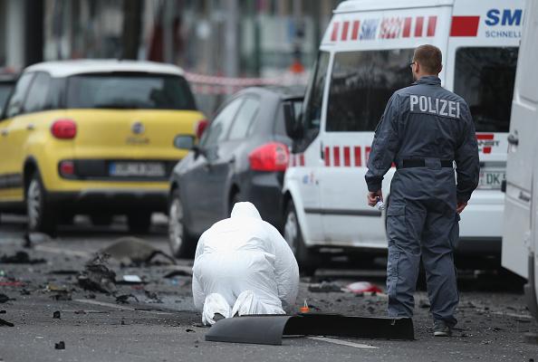 Crime「Bomb Kills Driver In Berlin」:写真・画像(19)[壁紙.com]