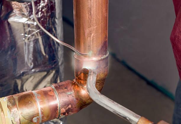 Plumber Sweat Fitting a Copper Elbow:スマホ壁紙(壁紙.com)