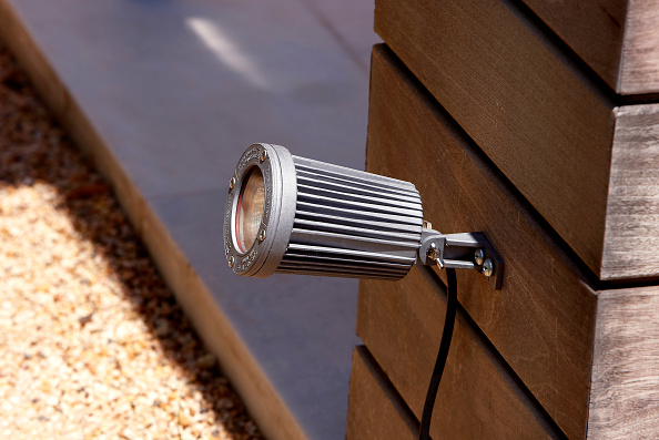Light Fixture「Spot light fixed on wooden plank board」:写真・画像(6)[壁紙.com]