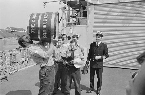Monochrome「Navy Rum Rations」:写真・画像(18)[壁紙.com]