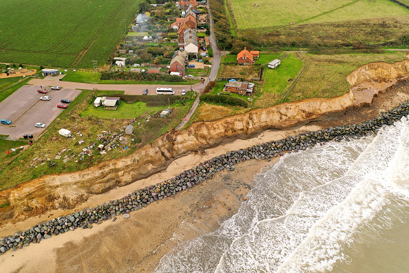 Norfolk - England「Climate Change Increases Rate Of Coastal Erosion」:写真・画像(1)[壁紙.com]
