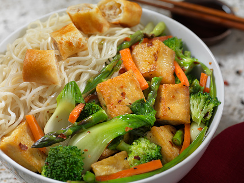 Soy Sauce「Tofu Noodle Bowl with Vegetable Spring Roll」:スマホ壁紙(6)