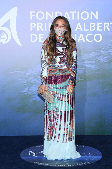 Beige Purse「Monte-Carlo Gala For Planetary Health : Photocall」:写真・画像(7)[壁紙.com]