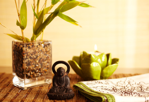 Feng Shui「Home decor still life of bamboo in vase  and buddha」:スマホ壁紙(19)
