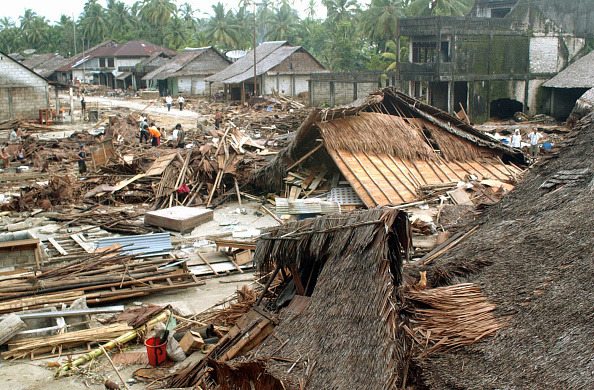 2004「Search And Recovery Continues In Nias, Indonesia」:写真・画像(3)[壁紙.com]