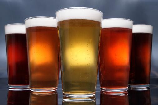 Five Objects「Five Pints of Beer」:スマホ壁紙(5)