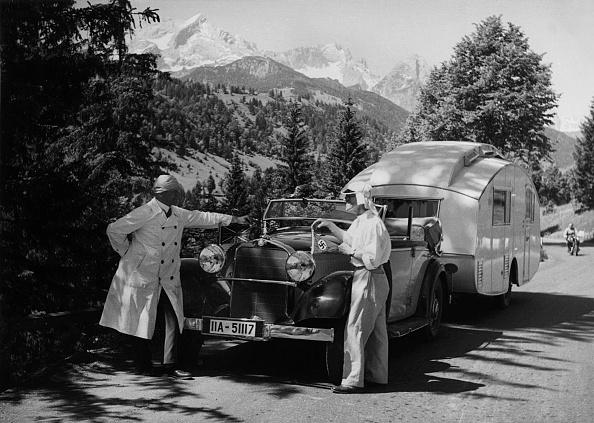 Recreational Pursuit「1937 Mercedes Benz 260D Cabriolet Towing Caravan. Creator: Unknown.」:写真・画像(16)[壁紙.com]