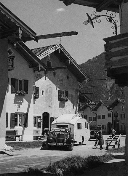 Recreational Pursuit「1937 Mercedes Benz 260D Cabriolet Towing Caravan. Creator: Unknown.」:写真・画像(15)[壁紙.com]