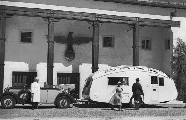Recreational Pursuit「1937 Mercedes Benz 260D Cabriolet Towing Caravan. Creator: Unknown.」:写真・画像(14)[壁紙.com]