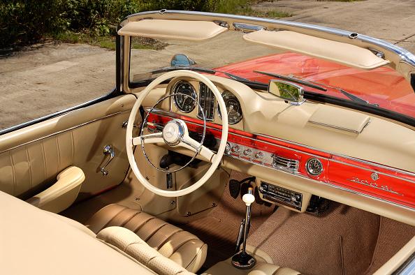 Finance and Economy「1961 Mercedes Benz 300SL」:写真・画像(4)[壁紙.com]