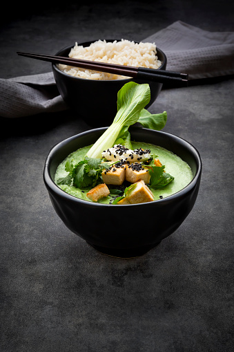 Green Curry「Green thai curry with spinach, pak choi, tofu, sour cream, black sesame and jasmine rice」:スマホ壁紙(0)