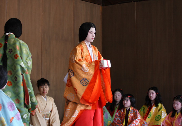 Tanka「Ceremony of the First Karuta Card Game Of New Year Held In Kyoto」:写真・画像(12)[壁紙.com]