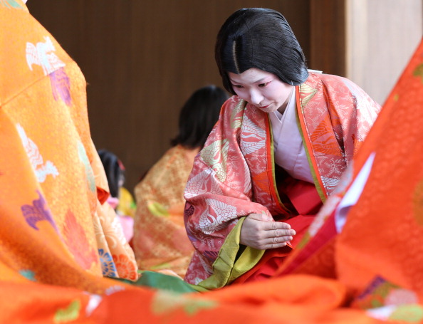 Tanka「Ceremony of the First Karuta Card Game Of New Year Held In Kyoto」:写真・画像(15)[壁紙.com]