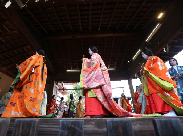 Tanka「Ceremony of the First Karuta Card Game Of New Year Held In Kyoto」:写真・画像(16)[壁紙.com]