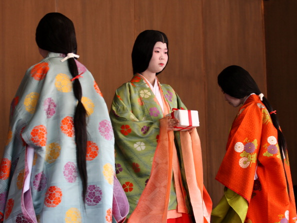 Tanka「Ceremony of the First Karuta Card Game Of New Year Held In Kyoto」:写真・画像(13)[壁紙.com]