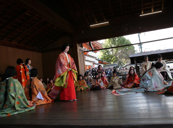 Tanka「Ceremony of the First Karuta Card Game Of New Year Held In Kyoto」:写真・画像(4)[壁紙.com]