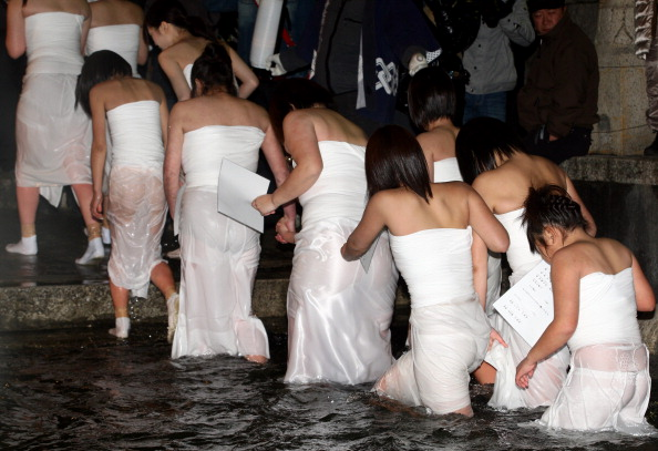 Japan「Naked Festival Takes Place」:写真・画像(2)[壁紙.com]