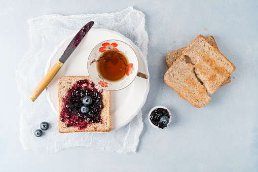 Toasted Food「Toast with blueberry jam and cup of tea」:スマホ壁紙(9)