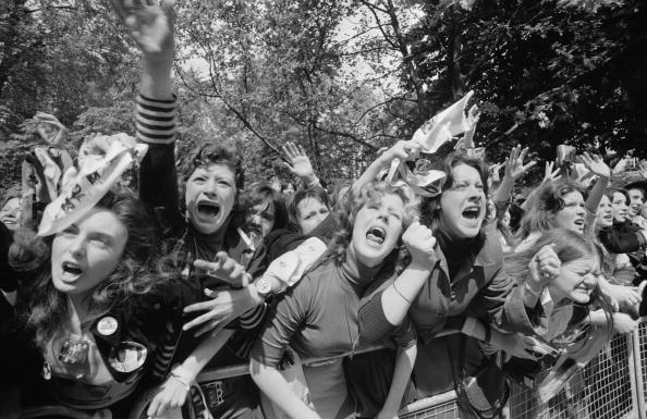 Cheering「Osmonds Fans」:写真・画像(0)[壁紙.com]