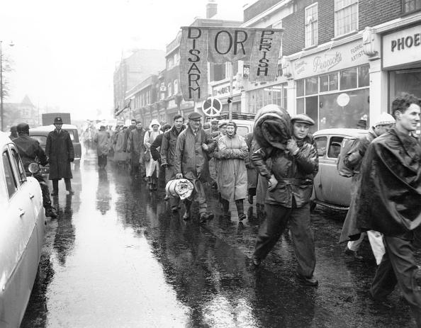 雨「H-Bomb Protest」:写真・画像(12)[壁紙.com]