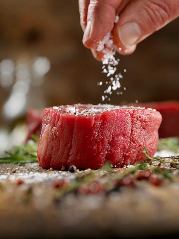 Salt - Seasoning「Seasoning Raw Fillet Mignon Steaks」:スマホ壁紙(13)