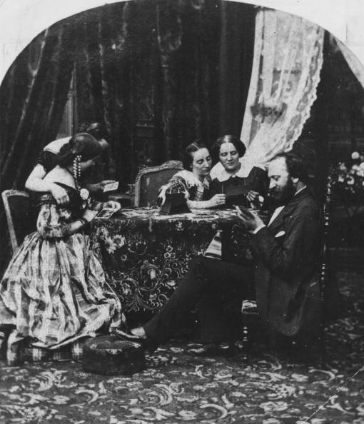Victorian Style「Family Snaps」:写真・画像(14)[壁紙.com]