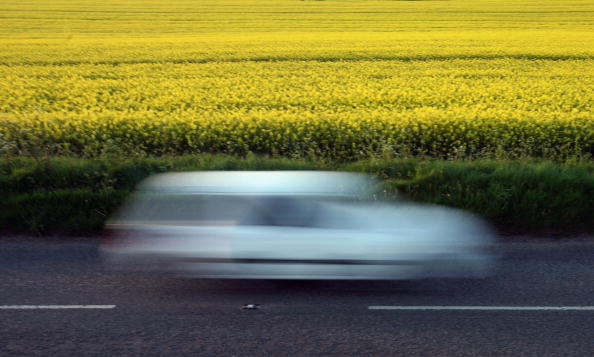 Blurred Motion「Rapeseed Crops Start To Bloom」:写真・画像(2)[壁紙.com]