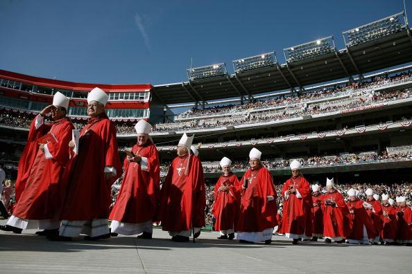 Religious Mass「Pope Benedict XVI Celebrates Mass At Nationals Park」:写真・画像(19)[壁紙.com]