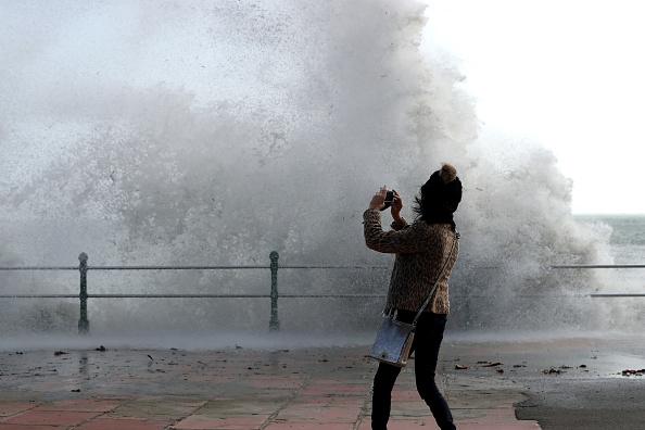 Water's Edge「Hurricane Ophelia Hits The UK」:写真・画像(19)[壁紙.com]