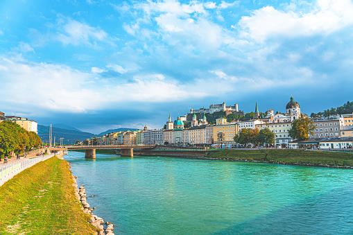 Music Festival「Salzburg skyline with Festung Hohensalzburg and Salzach river」:スマホ壁紙(12)