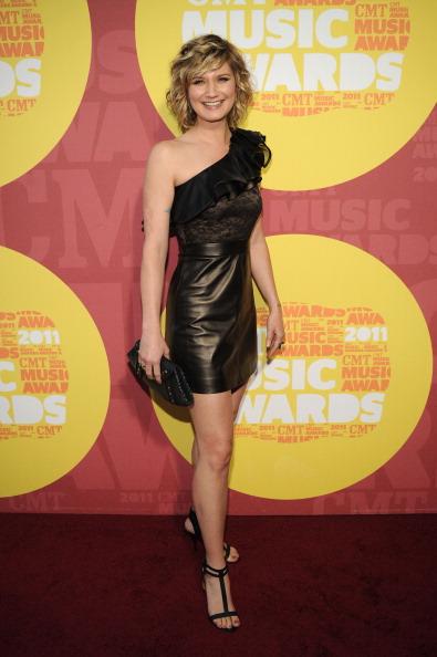 Sleeveless Top「2011 CMT Music Awards - Red Carpet」:写真・画像(16)[壁紙.com]