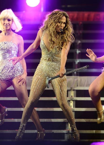 Metallic Shoe「Atlantico Rum Celebrates The Los Angeles Enrique Iglesias And Jennifer Lopez Concert」:写真・画像(3)[壁紙.com]