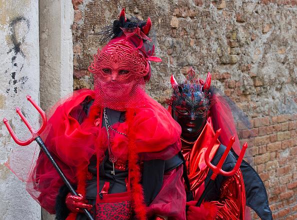 Venice Carnival「Opening Of Carnival 2014 Along A Venice Canal」:写真・画像(17)[壁紙.com]
