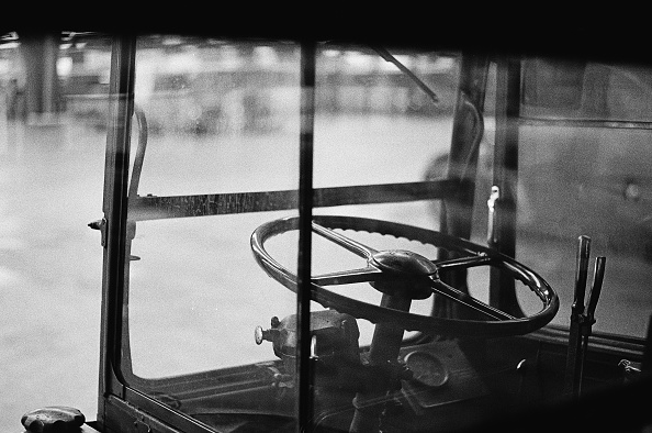 Double-Decker Bus「Wheel Of A Leyland Titan」:写真・画像(12)[壁紙.com]
