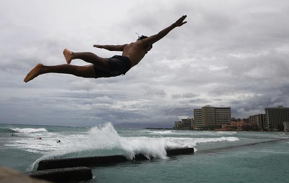 オアフ島「Hurricane Lane Brings Rain And High Winds To Hawaii's Oahu Island」:写真・画像(12)[壁紙.com]