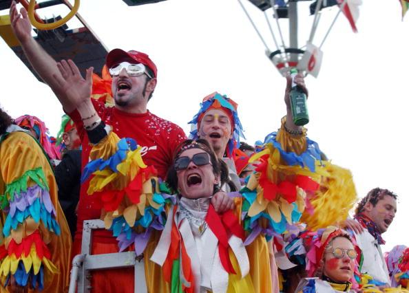 Human Arm「Residents Celebrate Viareggio Carnival」:写真・画像(12)[壁紙.com]