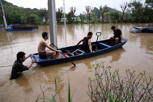 Torrential Rain「Rainstorm Hits South China」:写真・画像(18)[壁紙.com]