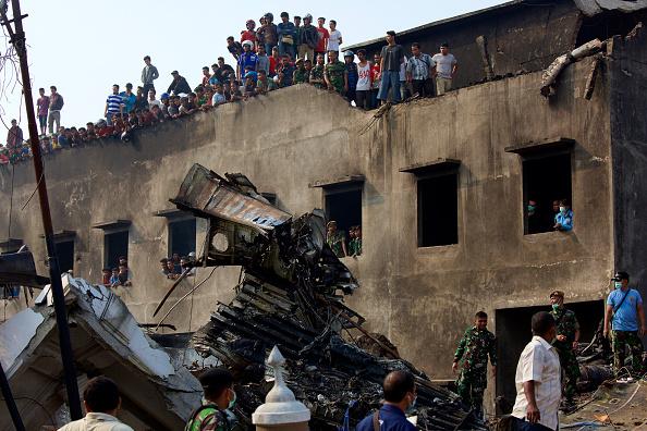 Ed Wray「Transport Plane Crashes In Indonesia」:写真・画像(13)[壁紙.com]