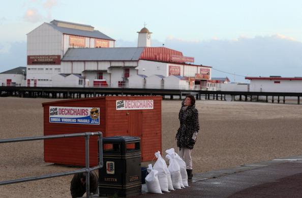 Stephen Pond「UK Hit By Severe Winds As Storm Surges Threaten Coastal Regions」:写真・画像(10)[壁紙.com]