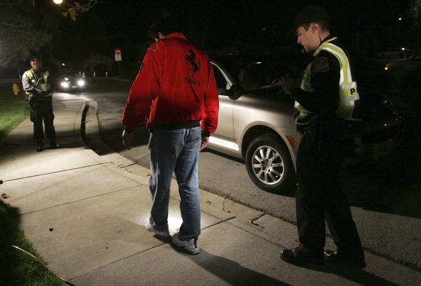 Alcohol - Drink「Bay Area Sets Up DUI Checkpoints For Holiday Season」:写真・画像(5)[壁紙.com]