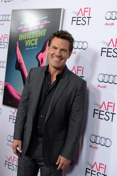 1人「AFI FEST 2014 Presented By Audi Gala Screening Of 'Inherent Vice' - Arrivals」:写真・画像(3)[壁紙.com]