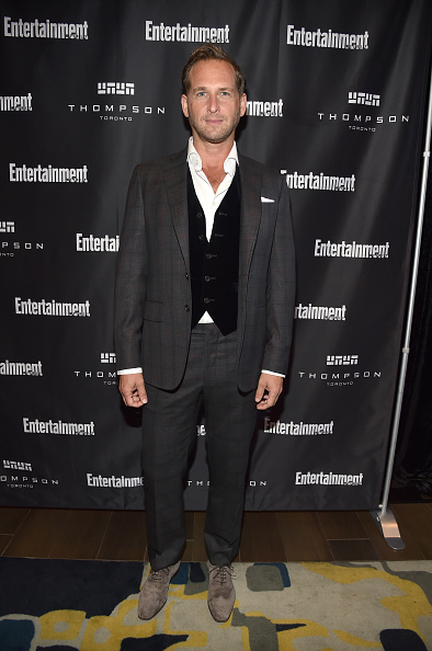Checked Suit「Entertainment Weekly's Must List Party at the Toronto International Film Festival 2017 at the Thompson Hotel」:写真・画像(2)[壁紙.com]