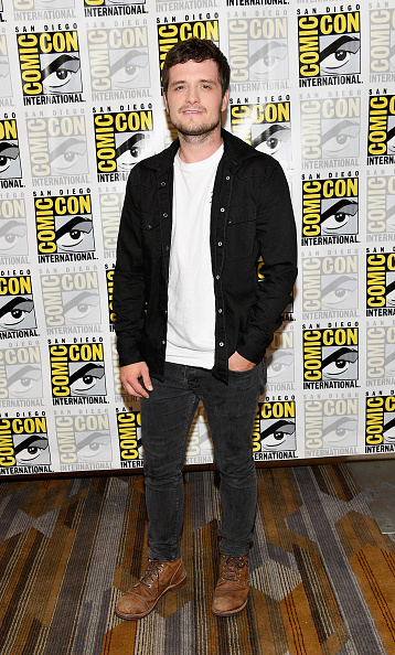 Full Length「Comic-Con International 2017 - Hulu's 'Future Man' Press Line」:写真・画像(12)[壁紙.com]