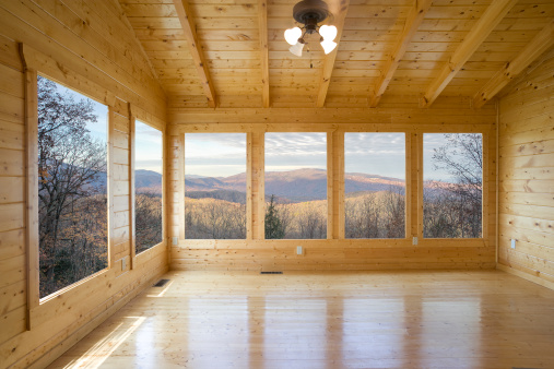 Awe「Empty wood room with several windows looking out to mountain」:スマホ壁紙(15)